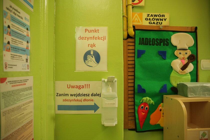 Łódź. Niemal pół tysiąca pracowników przedszkoli i żłobków ma podejrzenie koronawirusa