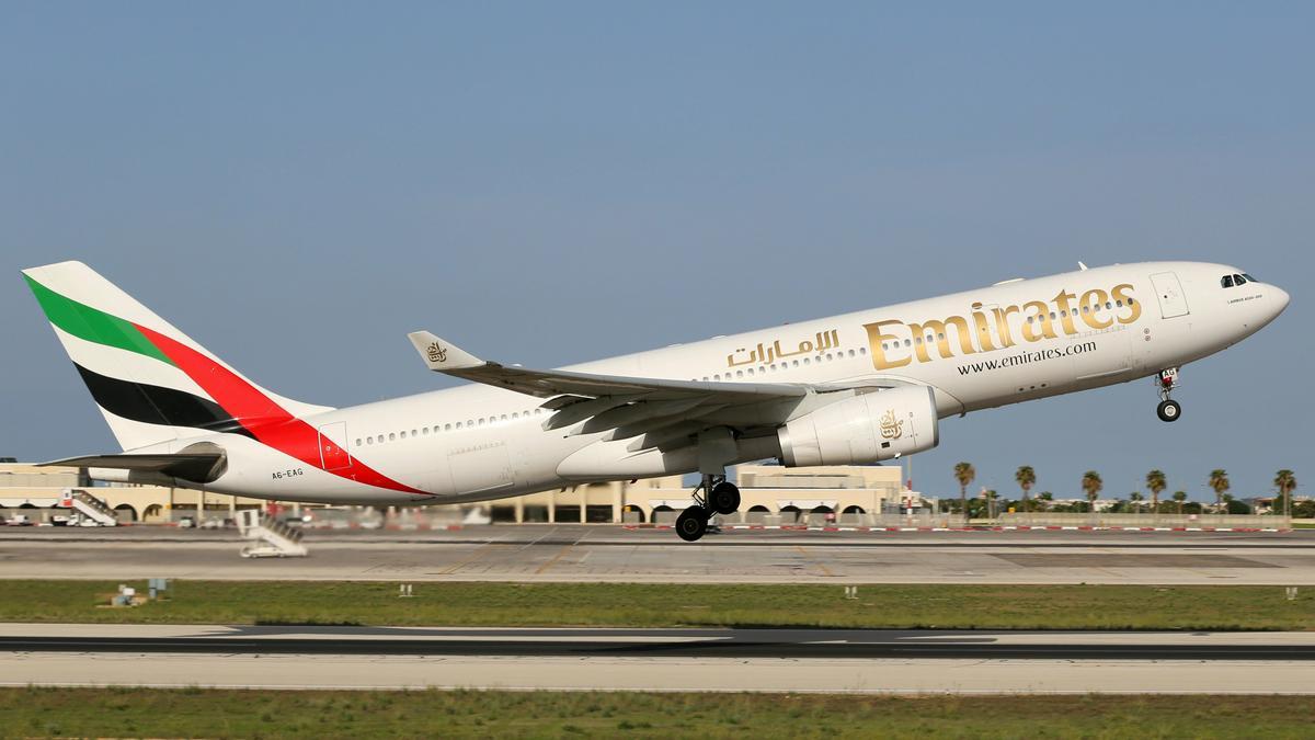Tömeges oltási programot indít: ez a légitársaság minden dolgozóját beoltatja koronavírus ellen