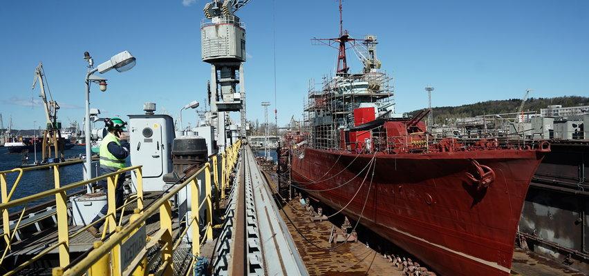 Bohaterski okręt poszedł do wielkiego remontu! Każdego dnia pracuje przy nim 200 osób