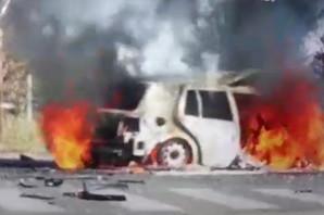 VATRA GUTA AUTOMOBIL Pogledajte snimak STRAVIČNE EKSPLOZIJE automobila u kojoj je povređen voditeljkin otac (VIDEO)