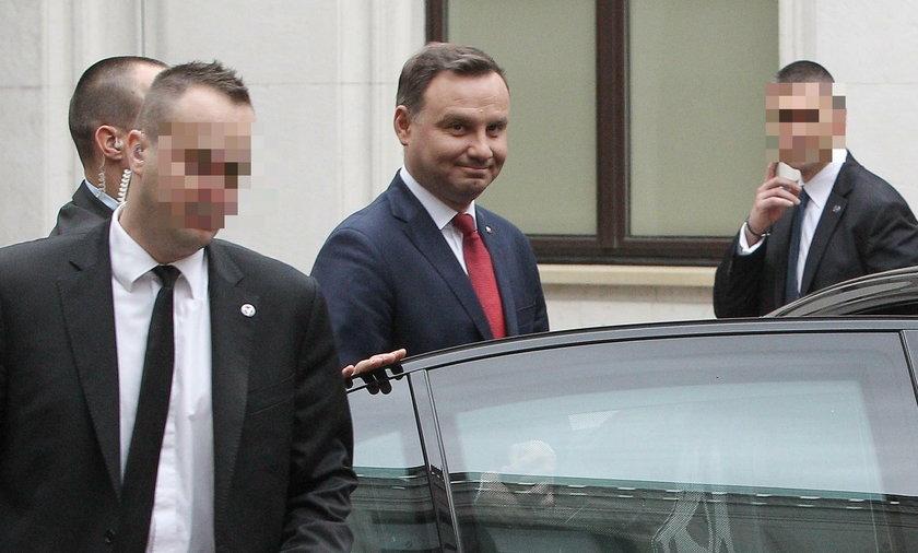 Najtańsza taksówka dla prezydenta zamiast limuzyny?! Kancelaria odpiera zarzuty