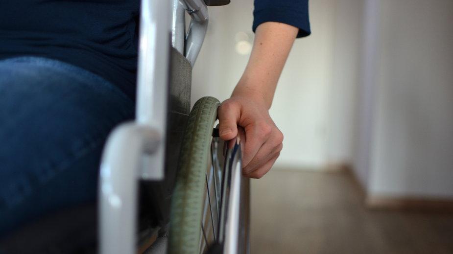Osoby z niepełnosprawnościami i ich opiekunowie bez szans na szybsze szczepienia przeciwko COVID-19