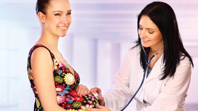 Nieinwazyjnym badaniom prenatalnym zwykle poddają się kobiety po 35. roku życia, w których rodzinach występowały wady genetyczne lub poprzednie ciąży były obarczone wadą generyczną; zwłaszcza te ciężarne, które mają przeciwwskazania do inwazyjnych badań prenatalnych tj. zakażenie HBV i HIV oraz łożysko przodujące i wysokie ryzyko poronienia