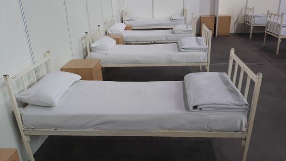 Kreveti za obolele od virusa korona u Čairu