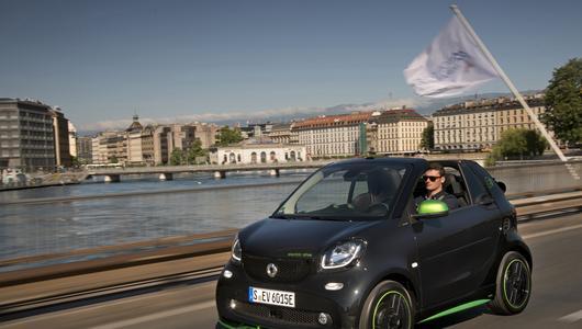 Smart Fortwo Cabrio Electric – Wyprzedza czas | Pierwsza jazda