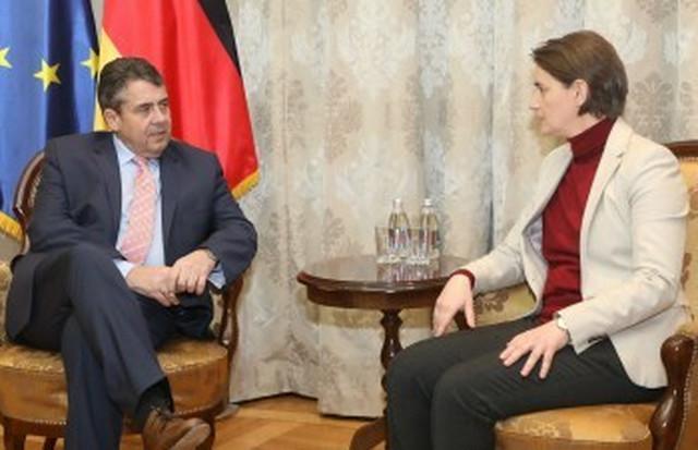 Zigmar Gabrijel i Ana Brnabić