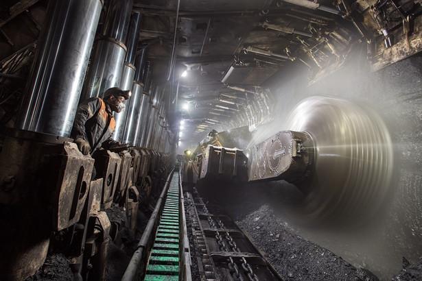 Dla spółek węglowych odchodzący dobrowolnie górnicy to mniejsze koszty płac – te w górnictwie stanowią prawie 80 proc. kosztów stałych