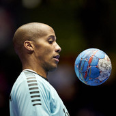 Svet sporta obojen u crno! PREMINUO POZNATI GOLMAN (32), nakon što su se lekari danima borili za njega