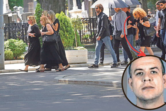 TELOHRANITELJI GA KRILI IZA KIŠOBRANA Glavni čovek Luke Bojovića na sahranu njegovog kuma došao kao DON