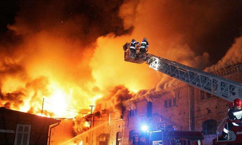 Ktoś podpala budynki