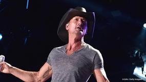 Tim McGraw uderzył fankę na koncercie - Flesz Muzyczny