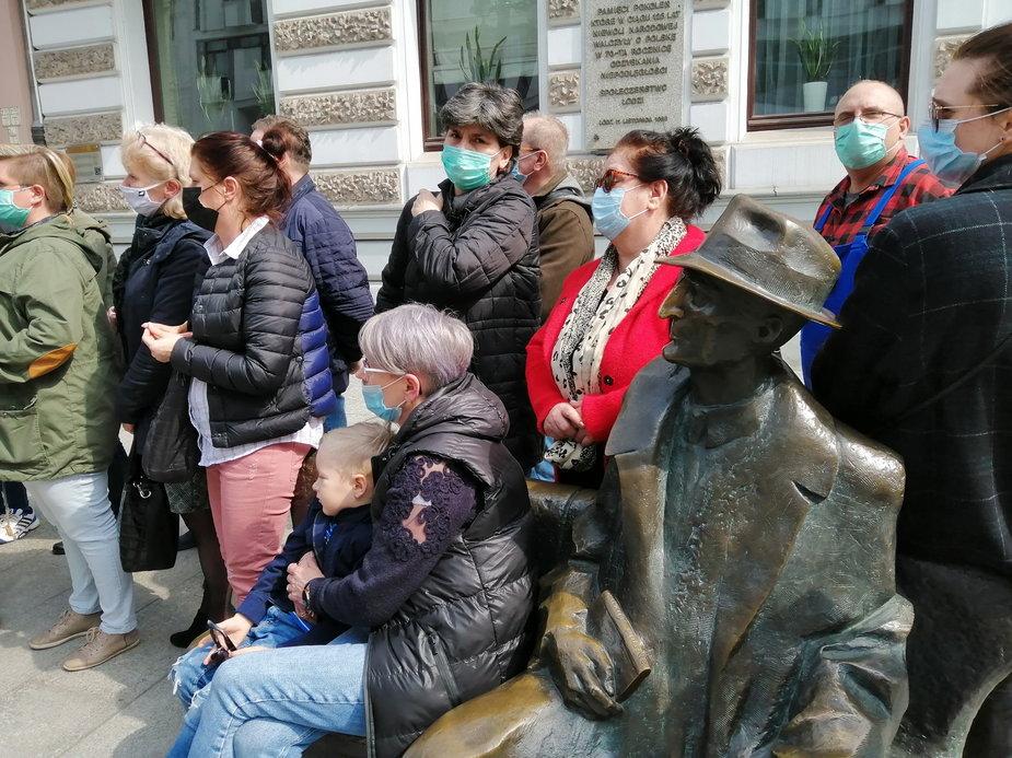 Na Piotrkowskiej odbył się protest pracowników niepedagogicznych