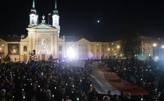 Warszawa: Przed Sądem Najwyższym protest KODu przeciwko zmianom w sądownictwie