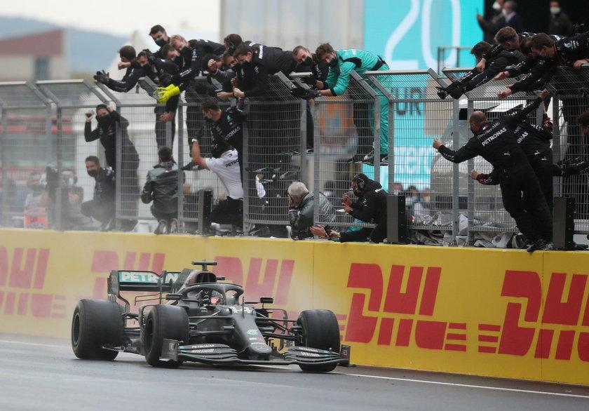 Lewis Hamilton po raz siódmy mistrzem świata