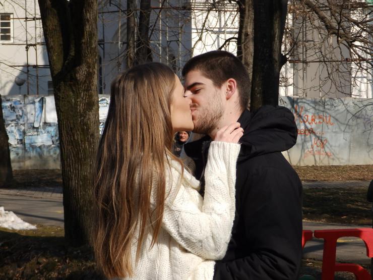 """""""Svaki dan vežbamo poljupce"""": Marija i Aleksa"""