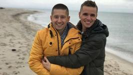Jakub i Dawid zasłynęli gejowskim klipem do hitu Roxette. Teraz biorą ślub. Znamy szczegóły!