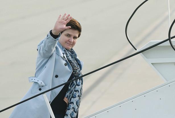 Beata Szydło na warszawskim lotnisku przed wylotem. Premier weźmie udział w szczycie Unii Europejskiej w Brukseli
