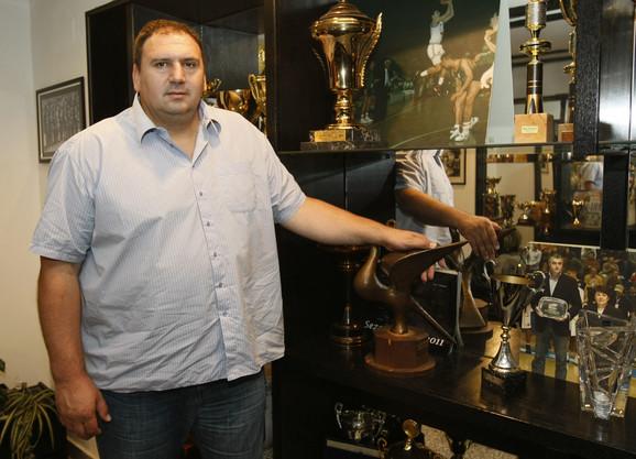 Zoran Stevanović uz rizinicu trofeja