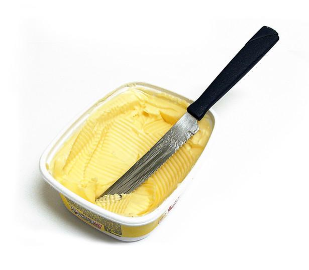 """Zdaniem prezesa UOKiK naruszenie zbiorowych interesów konsumentów polegało na braku wyraźnej informacji na opakowaniu, że produkt """"Maślany z Warlubia"""" nie jest masłem."""