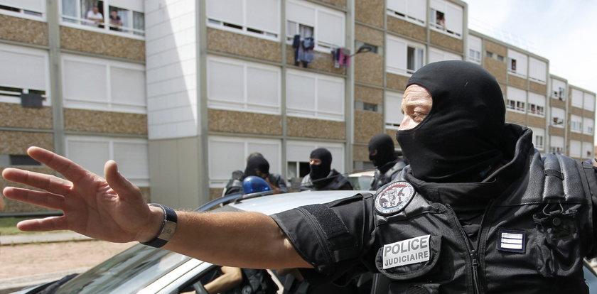 Francja: Terroryści chcieli ściąć oficera bazy wojskowej!