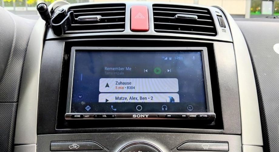 Test Sony XAV-AX3005: Autoradio mit Android Auto, Apple Carplay