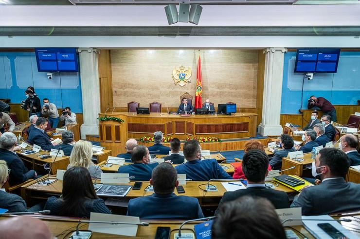 CG nova vlada skupstina 13 foto Anadolu Milos Vujovic