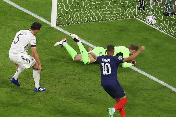 LUDILO U MINHENU pripalo Francuskoj! Padobranac, autogol, dva poništena gola, JEZIVA SCENA i trijumf koji može Nemce skupo da košta!