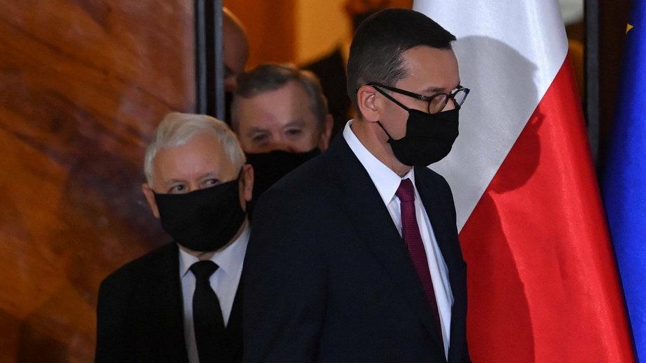 (od lewej) Jarosław Kaczyński i Mateusz Morawiecki