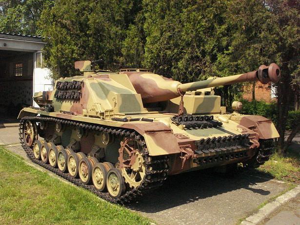 Sturmgeschütz IV w Muzeum Broni Pancernej Centrum Szkolenia Wojsk Lądowych, fot. Maciej Borun / Wikimedia Commons, lic. cc-by-sa