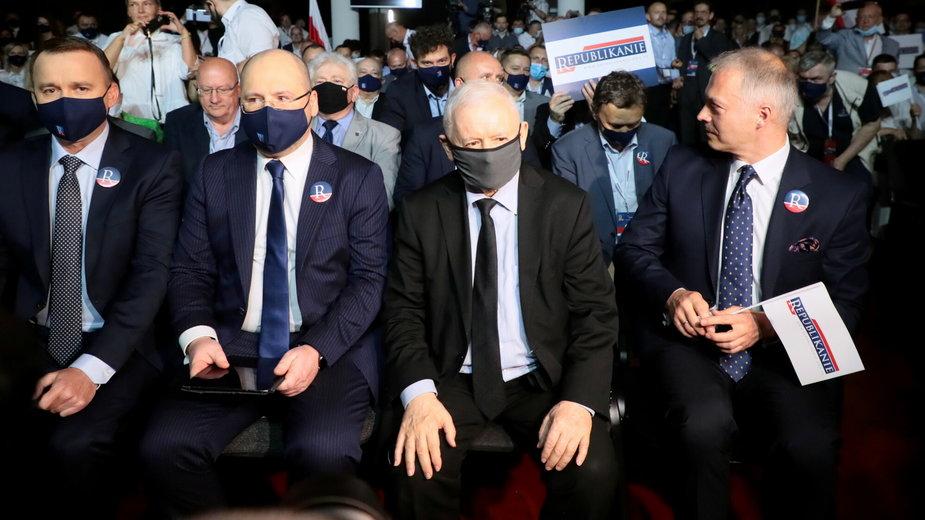 (w środku, z lewej) Adam Bielan i Jarosław Kaczyński na kongresie założycielskim Partii Republikańskiej