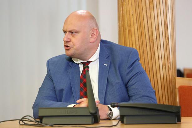 Były zastępca Biura Gospodarki Nieruchomościami Jerzy Mrygoń zeznaje jako świadek przed komisją weryfikacyjną ds. reprywatyzacji.