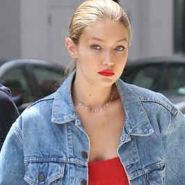 Gigi Hadid cała w jeansie. Nadal piękna?