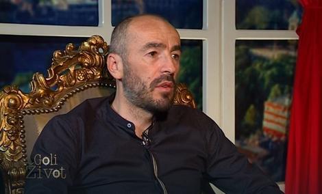 """Alen Azarić svoje """"moći"""" često reklamira u televizijskim emisijama i rijalitijima"""