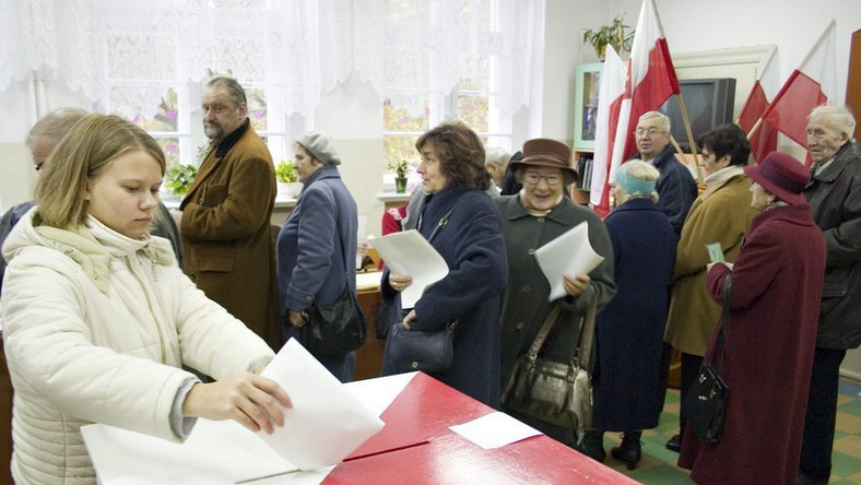 Pierwsze powyborcze rozliczenia. Kary za kiepskie wyniki partii