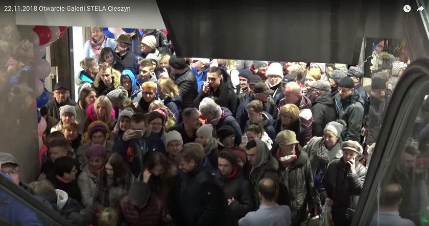 Bójka klientów w Cieszynie. Tak świętowano Black Friday