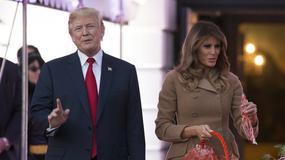 Melania Trump w płaszczu na imprezie z okazji Halloween. Hit czy wpadka?