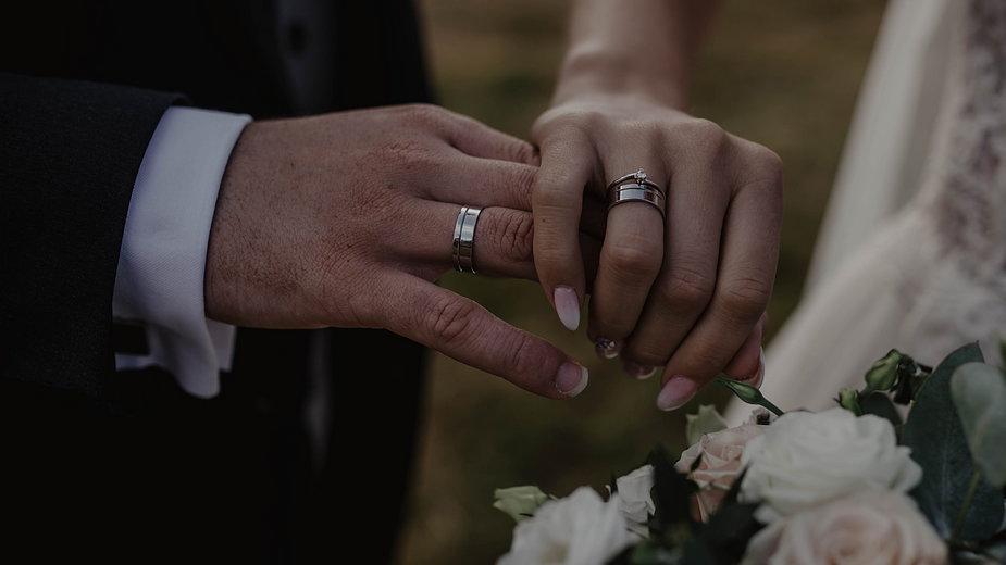 Z zawarciem związku małżeńskiego wiążą się opłaty - nadchmurami/stock.adobe.com