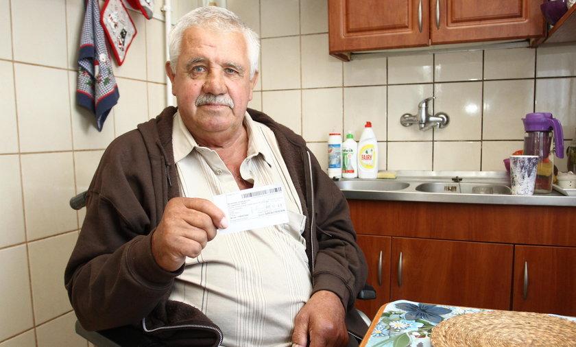 Emeryt od pół roku czeka na rachunek za prąd