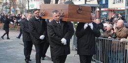 Tłumy na pogrzebie ks. Jana Kaczkowskiego