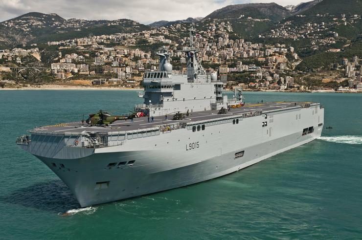 """Nesuđeni ruski nosač helikoptera """"Vladivostok"""" još u francuskim vodama"""