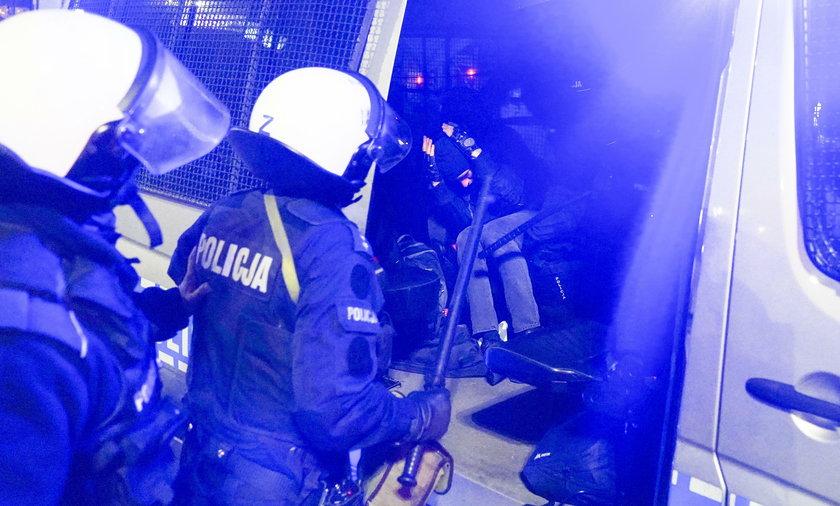 Policja podsumowała piątkowe protesty w Warszawie