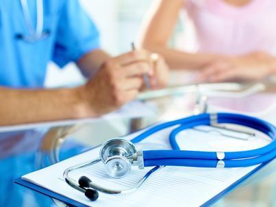 Resort zdrowia proponuje lekarzom stażystom podwyżki. Pierwszą - w wysokości niespełna 100 zł brutto