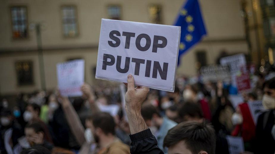 Protest przeciwko polityce prezydenta Rosji w Czechach