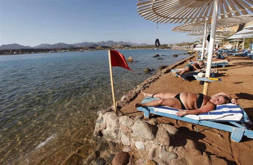 Nie jedź do Egiptu! Znowu zamykają plaże