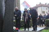 Polaganje cveća pred spomenik žrtvama nesreće