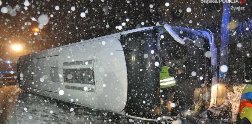 11 osób rannych. Wypadek autokaru w Żywcu