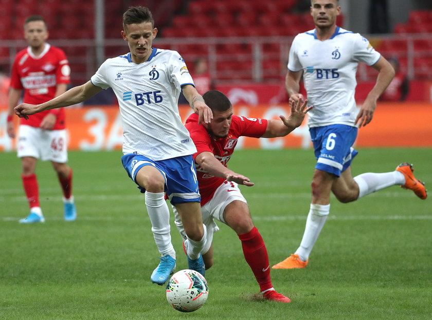Sebastian Szymański (22 l.) ma za sobą intensywny sezon w lidze rosyjskiej i teraz odpoczywa.