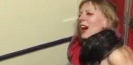 Szokujące sceny w samolocie. Wpadła w szał, musieli ją związać!