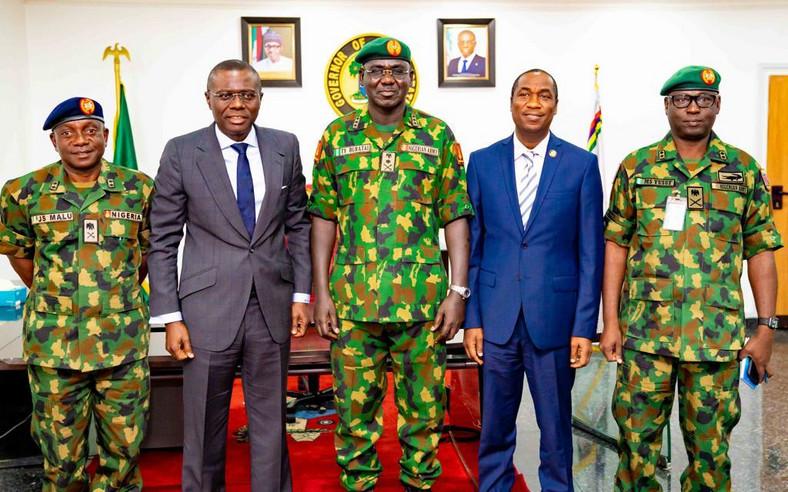 Sanwo-Olu receives Buratai in Lagos (Twitter @@jidesanwoolu)