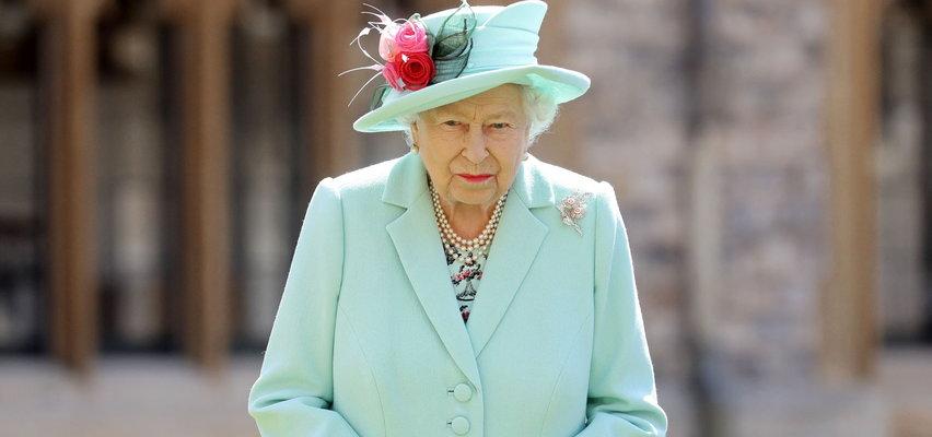 Królowa Elżbieta nie mogła płakać? Jak brytyjska monarchini musiała uczyć się chować emocje